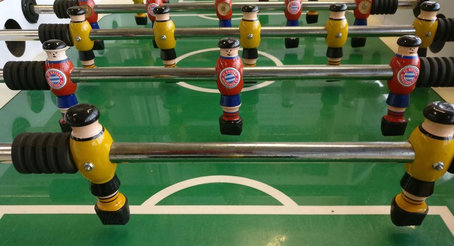 Mesa de futbolin alemana