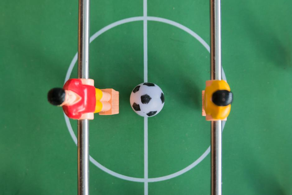 mesa de futbolin de madera